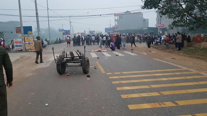 Không khí tang thương bao trùm hiện trường vụ tai nạn ở Vĩnh Phúc - Ảnh 3.
