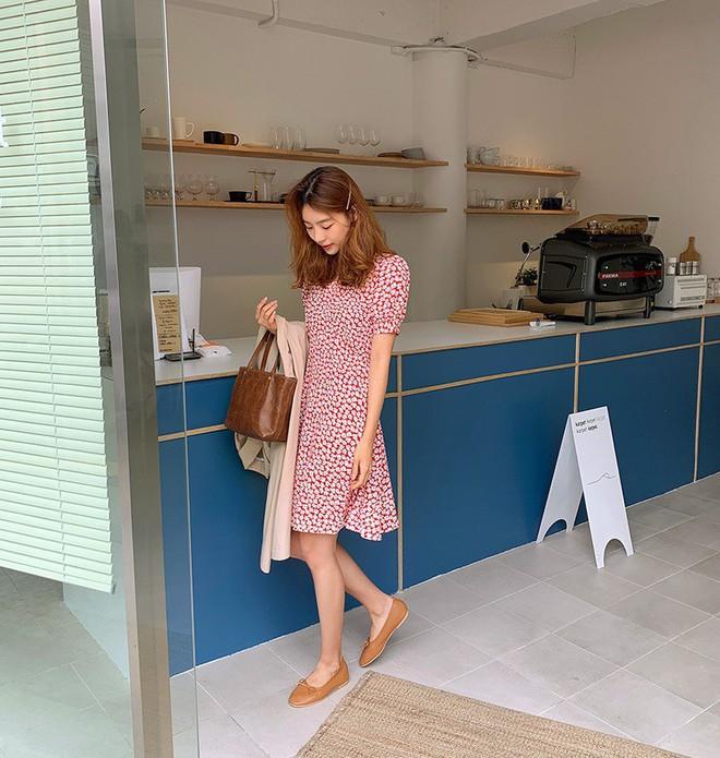 Diện váy vóc, bạn sẽ muốn mix ngay với 5 kiểu giày sau vì mặc lên quá xinh xắn và trendy - Ảnh 3.