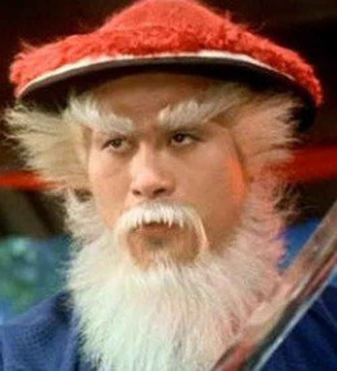 """Sự thật """"bội phục"""" đằng sau màn trợn mắt trắng dã kinh điển của Kim Mao Sư vương ở Ỷ Thiên Đồ Long Ký 2003 - Ảnh 6."""