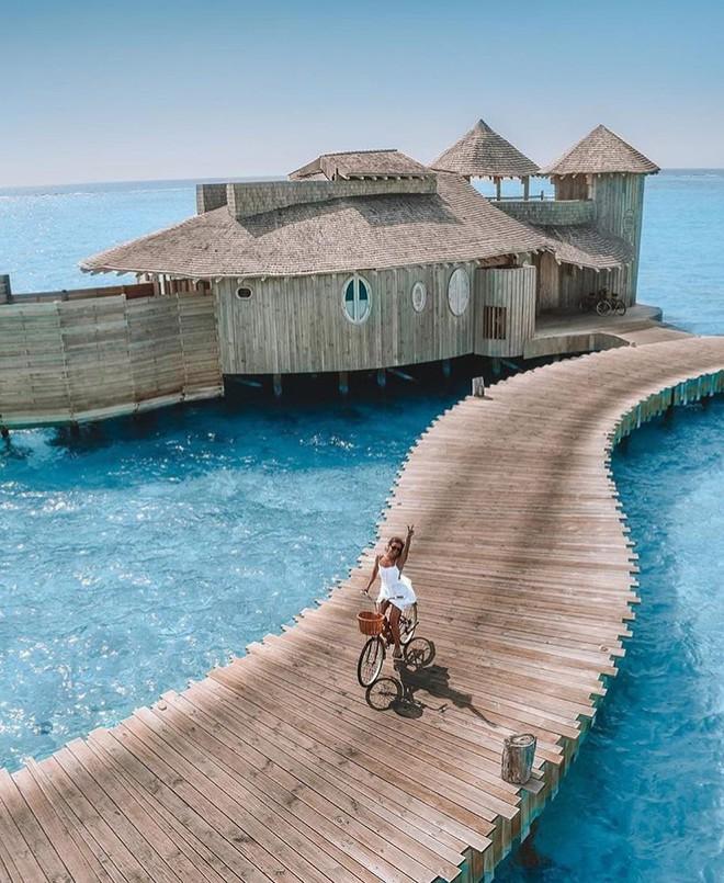 Choáng với khu nghỉ dưỡng sang chảnh bậc nhất Maldives, chỉ dành cho giới giàu đến siêu giàu - Ảnh 5.