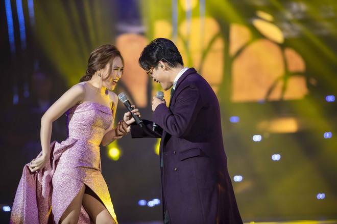 Hà Anh Tuấn - Mỹ Tâm đổi hit, lại còn dạy nhảy cho nhau: Xem xong fan nào lại không muốn