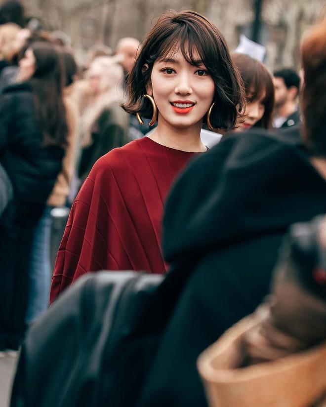 Cắt tóc ngắn và lên đồ sành điệu, Park Shin Hye khiến các fan choáng ngợp với màn lột xác đẳng cấp tại show Valentino - Ảnh 3.
