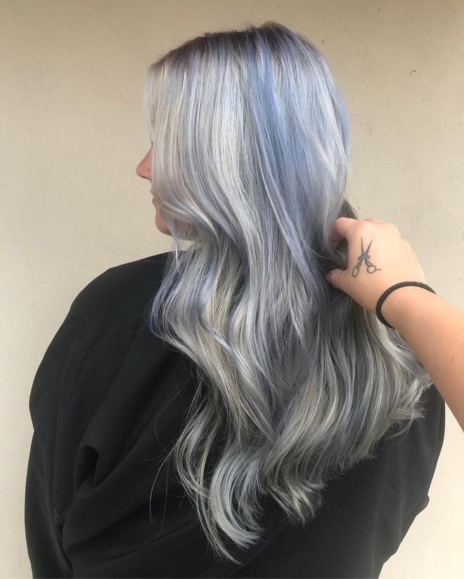 Nếu đã lâu chưa nhuộm tóc màu gì hay ho, bạn hãy thử ngay gam màu nổi bần bật với cái tên cực kỳ dễ thương này - Ảnh 4.