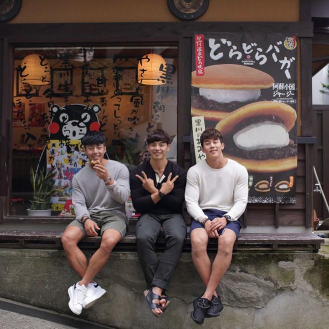 Bộ ba hot boy Hàn khiến hội con gái trầm trồ: Chơi thân là cũng lây được đẹp trai với body 6 múi thế này ư? - Ảnh 12.