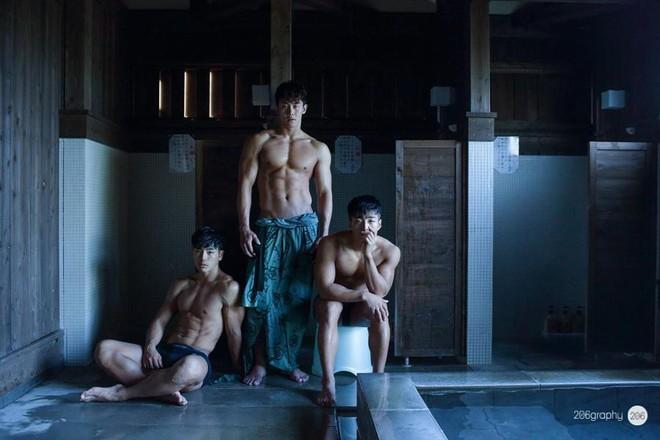 Bộ ba hot boy Hàn khiến hội con gái trầm trồ: Chơi thân là cũng lây được đẹp trai với body 6 múi thế này ư? - Ảnh 2.