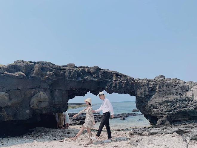 Có một Lý Sơn cực đáng yêu của cặp đôi hễ cứ đi du lịch cùng nhau là chụp ảnh lầy tới bến - Ảnh 5.