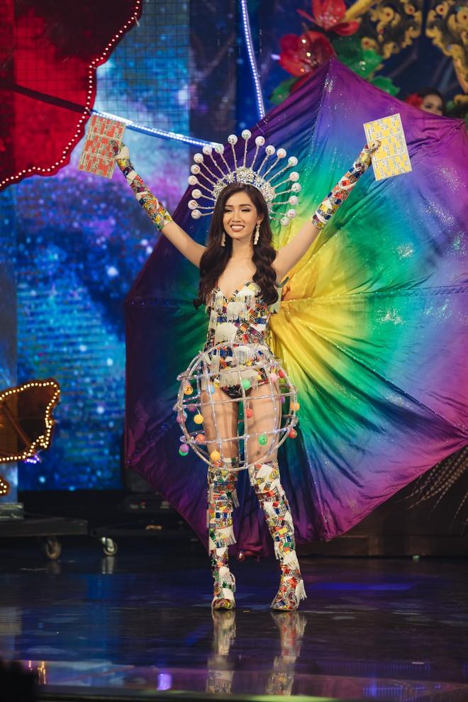 Đại diện Việt Nam - Đỗ Nhật Hà dừng chân tại Top 6 trong đêm Chung kết Hoa hậu Chuyển giới Quốc tế 2019 - Ảnh 1.