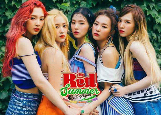Netizen tò mò: 3 girlgroup Big3 đã thay nhau thống trị Kpop các năm từ 2016 đến 2018 thì 2019 này ai sẽ lên ngôi? - Ảnh 3.