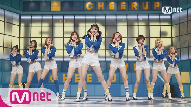 Netizen tò mò: 3 girlgroup Big3 đã thay nhau thống trị Kpop các năm từ 2016 đến 2018 thì 2019 này ai sẽ lên ngôi? - Ảnh 1.