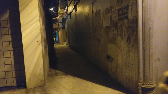 Chân dung và lời khai của đối tượng sàm sỡ 2 bé gái trong ngõ tối ở Hà Nội - Ảnh 2.