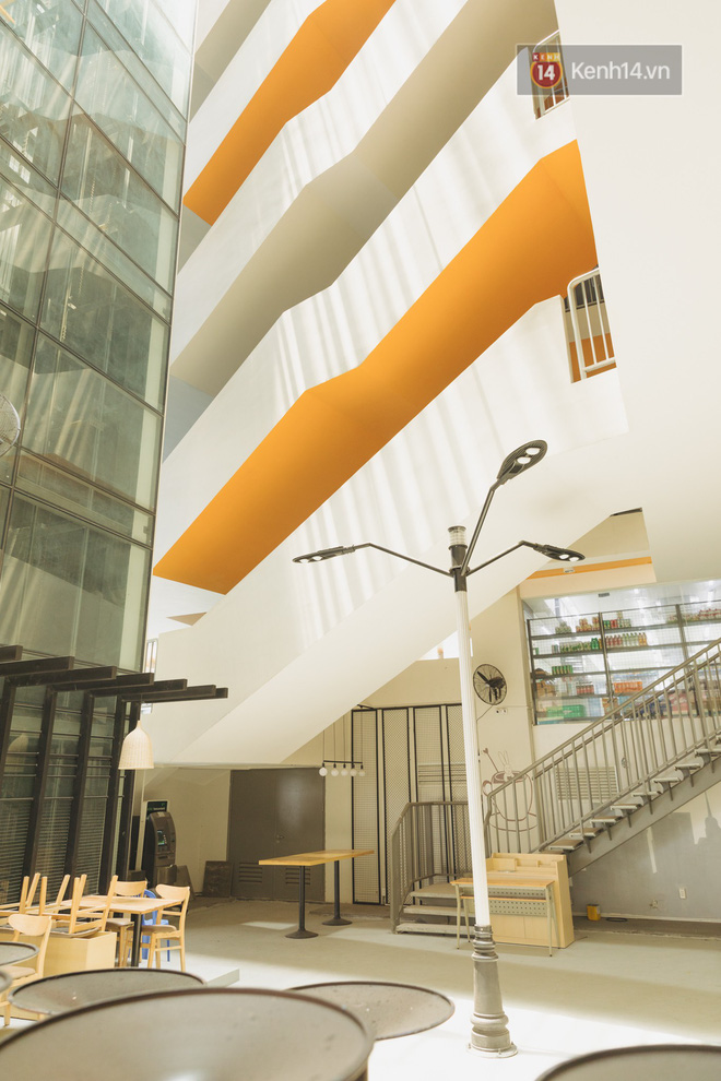 Thiên đường sống ảo mới ở Sài Gòn gọi tên ĐH Văn Lang: Đẹp như trung tâm thương mại, lên hình lung linh bất chấp mọi ngóc ngách - Ảnh 3.