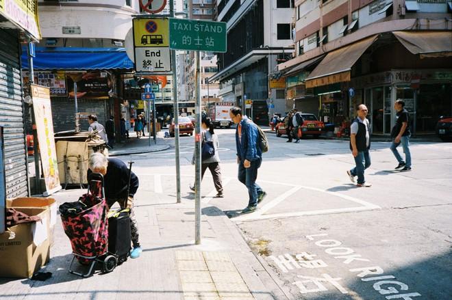 Hong Kong đẹp đến ngỡ ngàng qua những thước ảnh film của chàng trai Sài Gòn: Ai mà ngờ những tấm hình này được chụp vào năm 2019 kia chứ! - Ảnh 13.