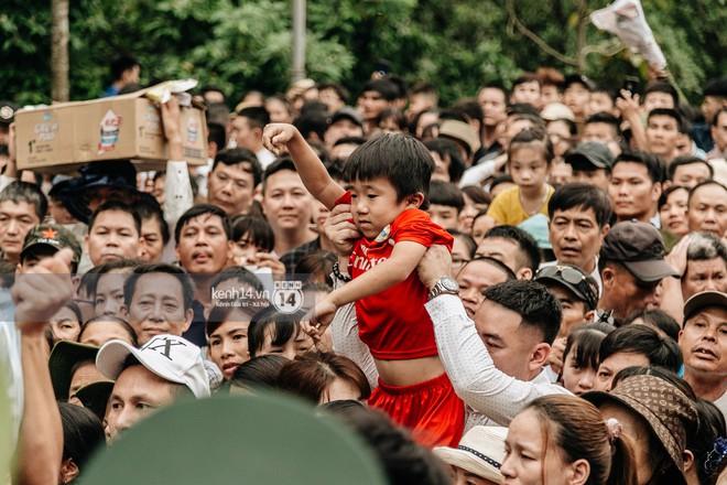 Nhìn lại những khoảnh khắc ấn tượng 2 ngày chính hội ở đền Hùng dịp giỗ Tổ Hùng Vương 2019 - Ảnh 8.