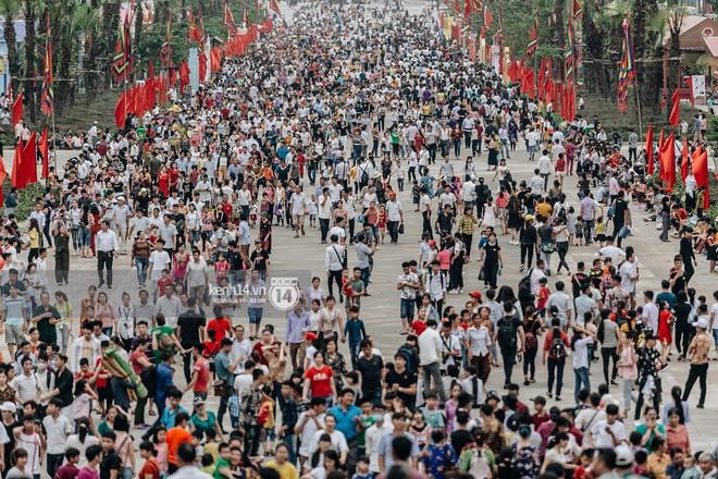 Nhìn lại những khoảnh khắc ấn tượng 2 ngày chính hội ở đền Hùng dịp giỗ Tổ Hùng Vương 2019 - Ảnh 2.