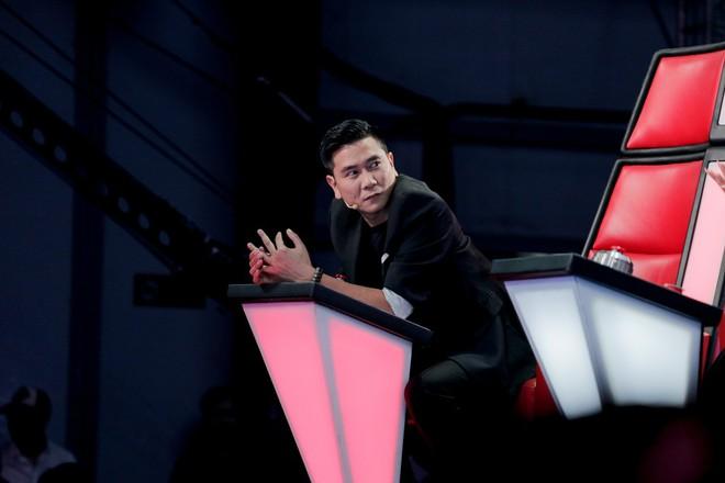 Giọng hát Việt lên sóng mùa 6, bất ngờ có 1 chiếc ghế không xoay lưng lại! - Ảnh 1.