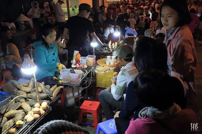 Những khoảnh khắc đông khủng khiếp ở Đà Lạt những ngày qua khiến hội ở nhà thở phào vì đã không tới - Ảnh 6.