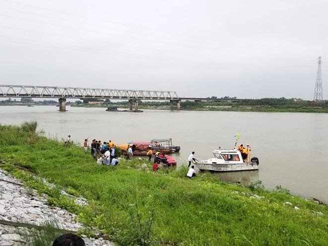 Nữ sinh lớp 12 nhảy cầu tự tử ở Bắc Ninh nghi bị hãm hiếp sau buổi liên hoan - Ảnh 1.