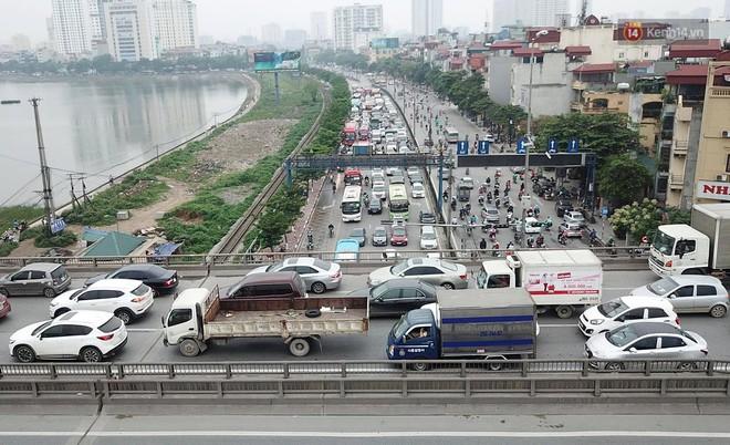 Vành đai 3 ùn tắc dài hàng km, cửa ngõ phía nam Thủ đô chật kín ngày cuối cùng kỳ nghỉ lễ - Ảnh 3.
