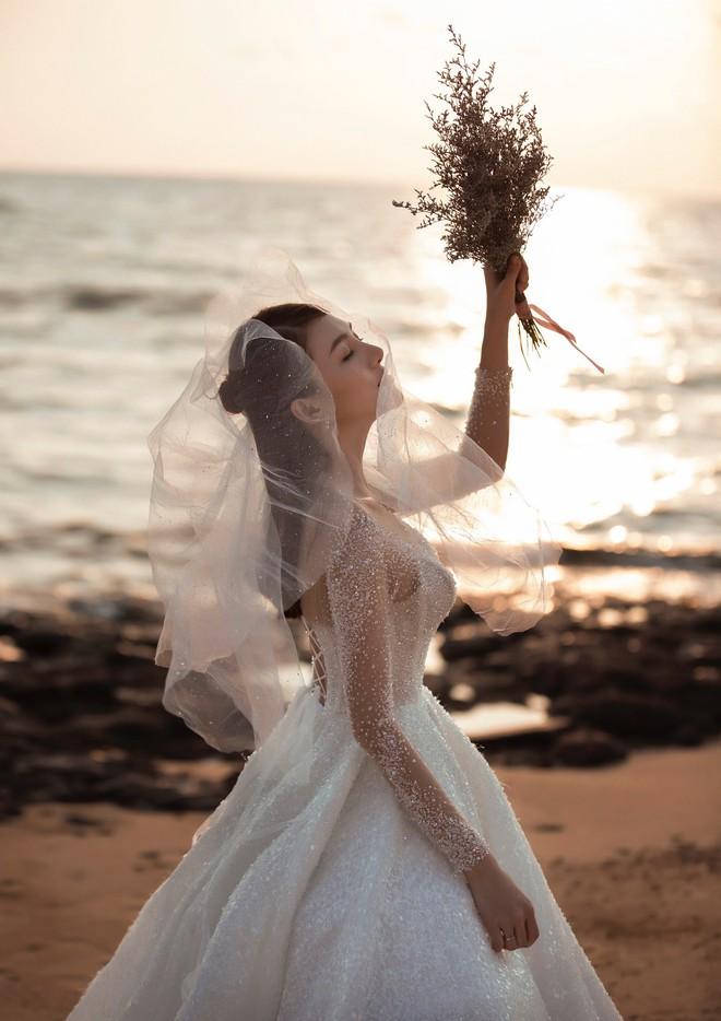 Cận ngày trọng đại, Lê Hà tung trọn bộ ảnh cưới lãng mạn chẳng kém phim Hàn cùng hôn phu điển trai - Ảnh 3.