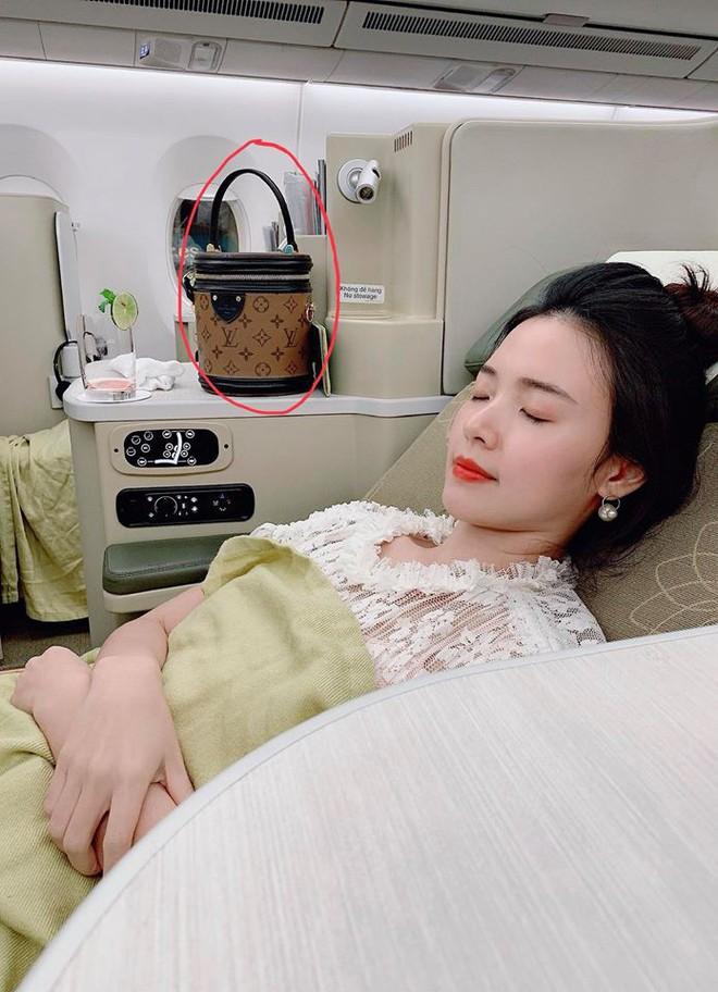 Midu mất túi xách và cả trăm triệu trên đất Hàn: Hành trình đi tìm ly kỳ, gay cấn chẳng kém phim hành động! - Ảnh 1.