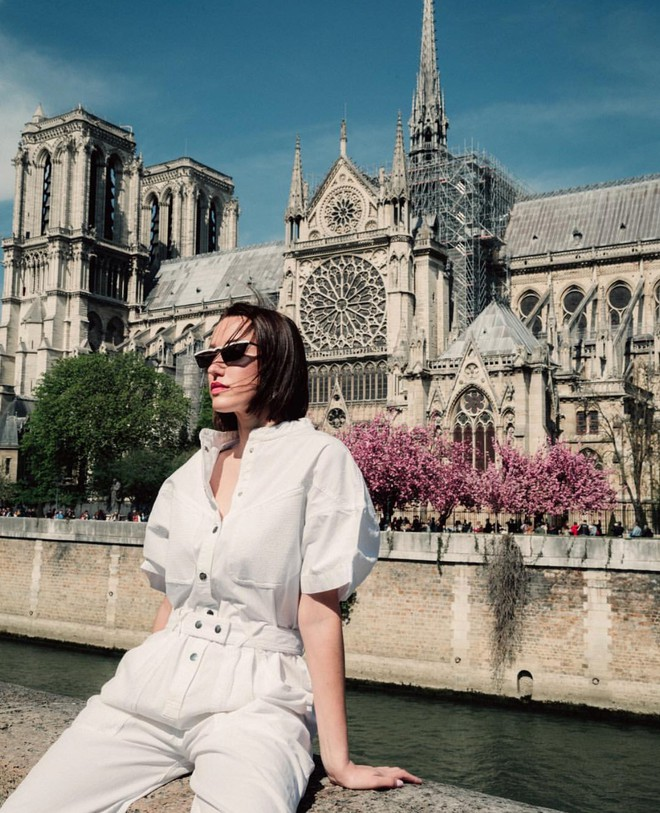 Trước khi sụp đổ một phần vì vụ cháy chấn động, Nhà thờ Đức Bà ở Paris từng là biểu tượng bình yên của cả nước Pháp - Ảnh 12.