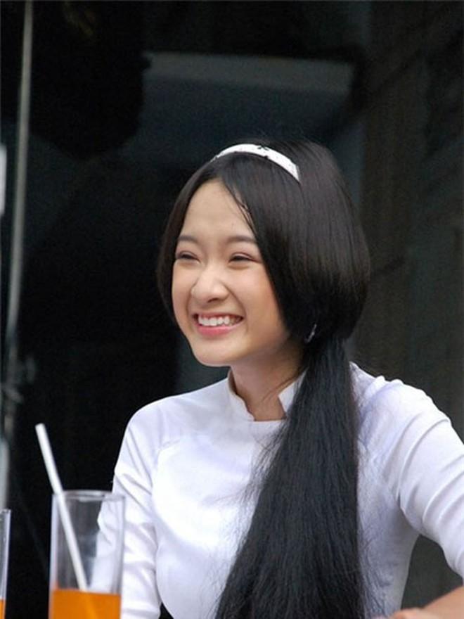 Showbiz Việt chứng kiến nhiều màn lột xác ngoạn mục, khác biệt đến khó tin của dàn sao nhí đình đám một thời - Ảnh 1.