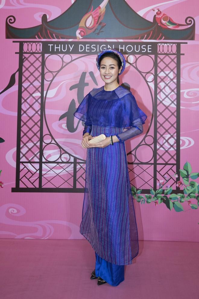 Chẳng hạn mà gặp, cả Lan Ngọc lẫn Đỗ Mỹ Linh đều hóa... Cô Tấm tại show của NTK Thủy Nguyễn - Ảnh 16.