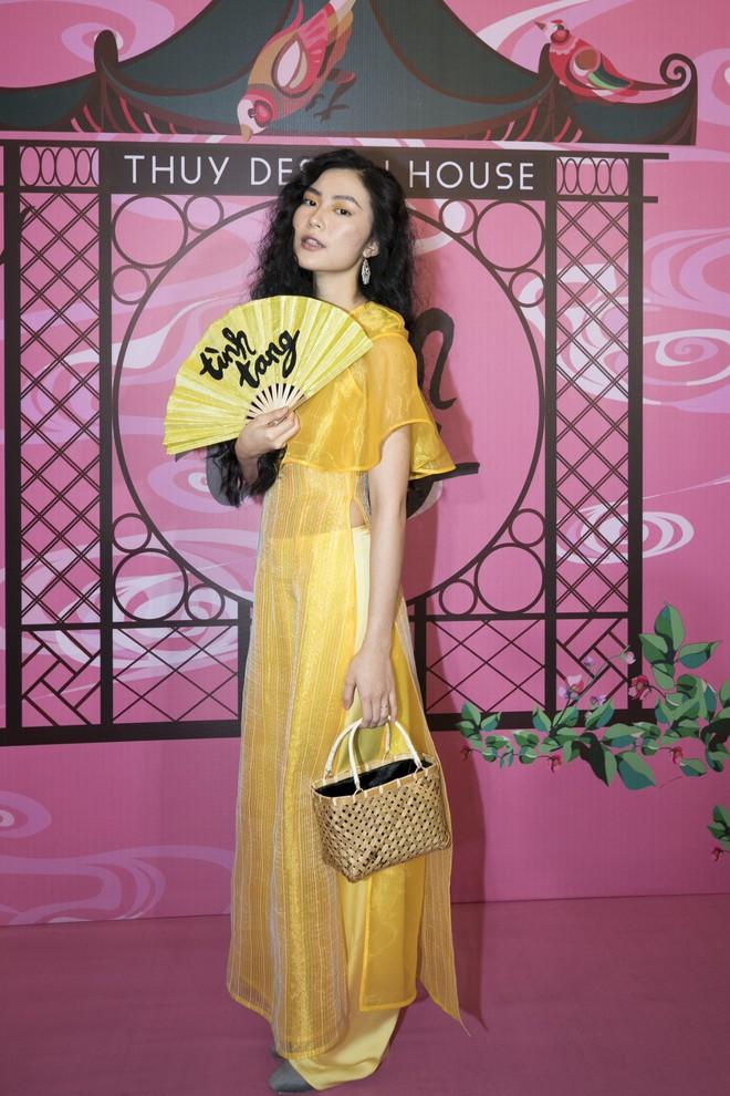 Chẳng hạn mà gặp, cả Lan Ngọc lẫn Đỗ Mỹ Linh đều hóa... Cô Tấm tại show của NTK Thủy Nguyễn - Ảnh 15.