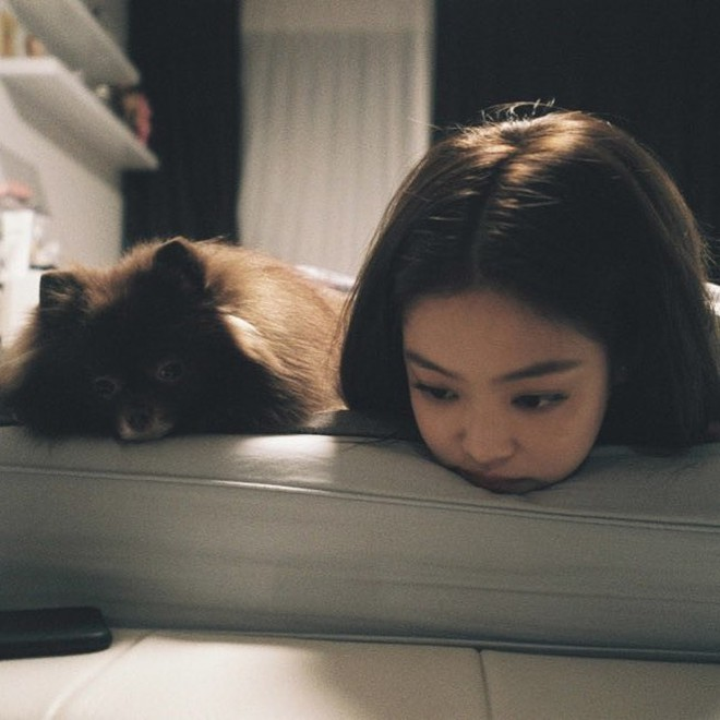 Jennie và Krystal thay đổi ra sao sau khi chia tay Kai: Có nhiều điểm giống đến không ngờ, chi tiết ngoại hình gây chú ý - Ảnh 11.