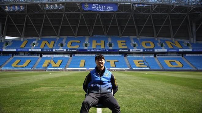 Áp lực những ngày đầu đến Incheon United đã khiến Công Phượng không có được niềm vui khi ra sân nhưng lúc này mọi thứ đã thay đổi. Ảnh: Phạm Huyền, Incheon United.