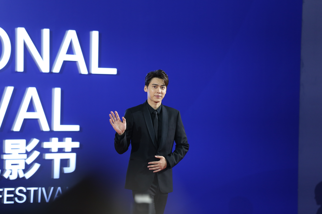 """Loá mắt ngắm loạt nam thần Hoa Ngữ bỗng trở lại """"ngon trai"""" thấy rõ tại LHP Bắc Kinh - Ảnh 2."""