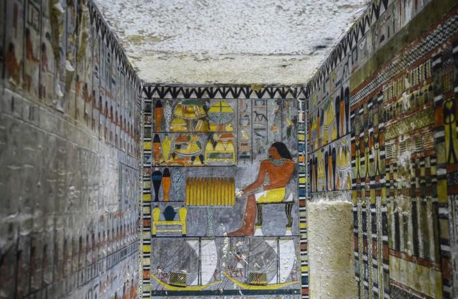 Khai quật 2 lăng mộ Ai Cập kỳ lạ nhất lịch sử: sau 4000 năm mà nước sơn vẫn còn như mới 4000-years-old-tomb-discovered-egypt-painted-4-5cb9af4157310700-15557344735721639267684