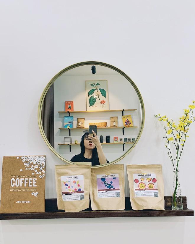 """Thủ sẵn 4 quán cà phê mới toanh này để """"trốn nắng"""" Sài Gòn vào dịp cuối tuần - Ảnh 3."""