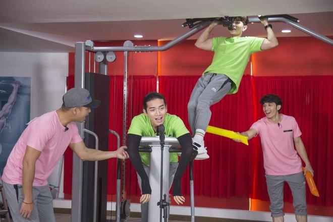 Tập tạ hát karaoke, hên quá Running Man Việt không có ai... xì hơi như bản Trung Quốc - Ảnh 3.