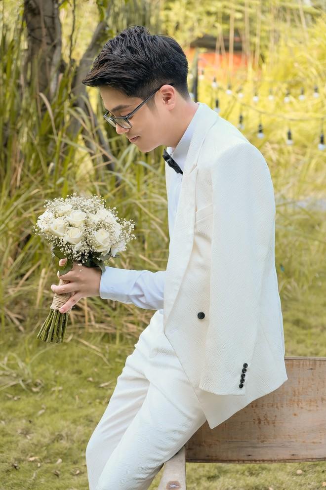 """Bùi Anh Tuấn và Hiền Hồ âm thầm tổ chức """"đám cưới"""", hé lộ những hình ảnh tuyệt đẹp trong hôn lễ - Ảnh 4."""