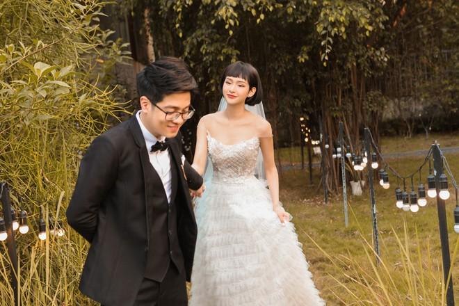 """Bùi Anh Tuấn và Hiền Hồ âm thầm tổ chức """"đám cưới"""", hé lộ những hình ảnh tuyệt đẹp trong hôn lễ - Ảnh 3."""