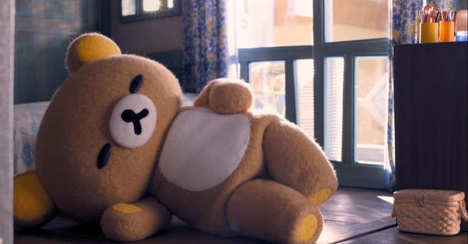 """Rilakkuma and Kaoru"""" khiến ta xúc động tự hỏi mình: """"Chú gấu bông ngày xưa  của tôi đâu rồi?"""""""