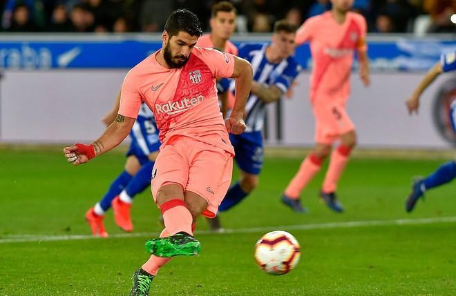 Messi ngồi dự bị, Barcelona vẫn thắng dễ để cách ngôi vô địch La Liga 3 điểm - Ảnh 6.