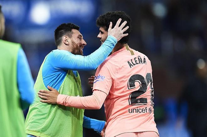 Messi ngồi dự bị, Barcelona vẫn thắng dễ để cách ngôi vô địch La Liga 3 điểm - Ảnh 5.
