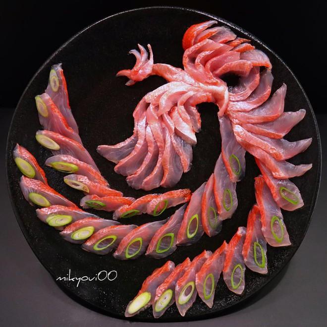 Nghệ thuật sashimi Nhật Bản độc đáo đến mức nhìn thoáng qua không ai nghĩ tác phẩm này được làm từ cá - Ảnh 3.
