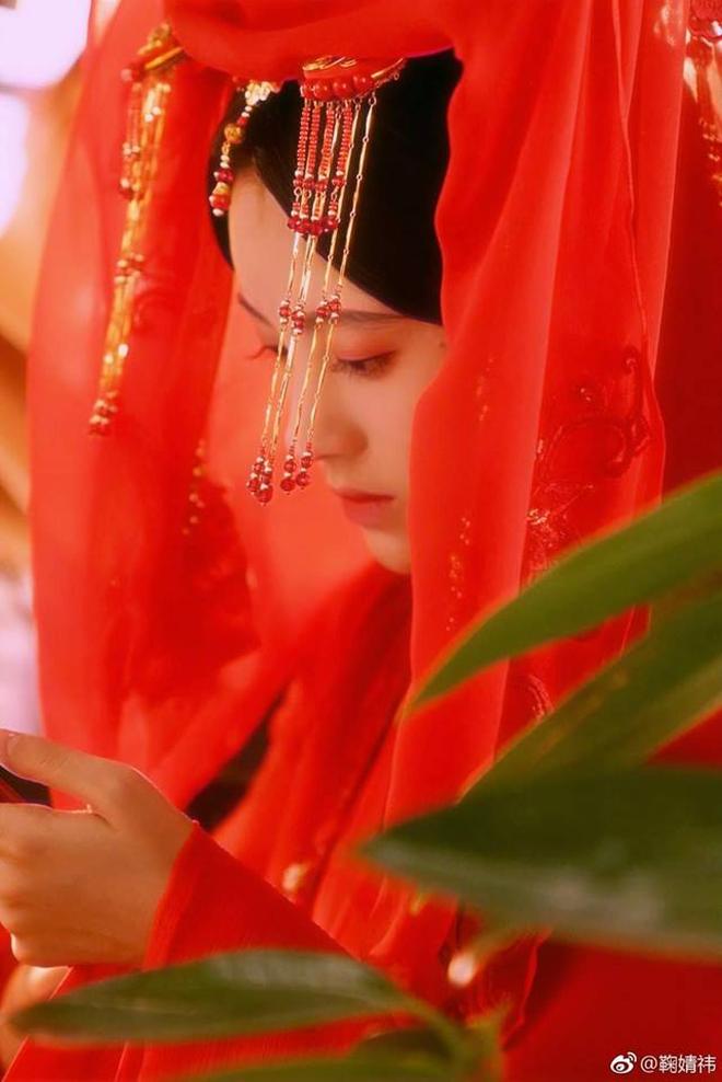 9 cô dâu cổ trang Hoa ngữ trên màn ảnh gần đây, ai là nÆ°Æ¡ng tá» xinh đẹp nhất trong lòng bạn? - Ảnh 19.