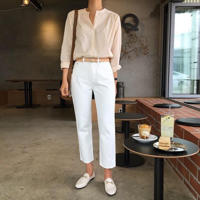 Hè này phải mặc đẹp hơn hè năm ngoái, và đây là 5 items bạn nên sắm ngay để ghi điểm phong cách - Ảnh 3.