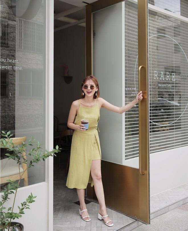Hè này phải mặc đẹp hơn hè năm ngoái, và đây là 5 items bạn nên sắm ngay để ghi điểm phong cách - Ảnh 1.
