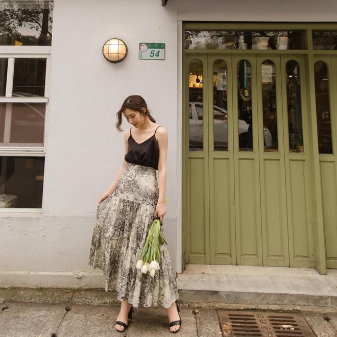 Hè này phải mặc đẹp hơn hè năm ngoái, và đây là 5 items bạn nên sắm ngay để ghi điểm phong cách - Ảnh 2.