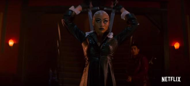 Mùa 2 cô phù thủy rùng rợn Sabrina trở lại đen tối và kịch tính hơn hẳn - Ảnh 8.