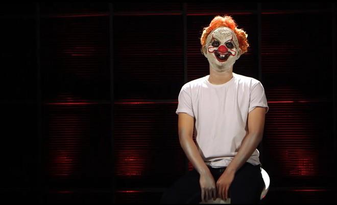 Á quân X-Factor Việt đeo mặt nạ xấu xí đi tìm bạn trai trên show hẹn hò - Ảnh 5.