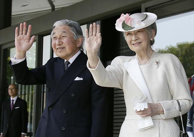 Gần 90 tuổi, cựu Hoàng hậu Nhật Bản vẫn khiến cả thế giới ngưỡng mộ trước gu thời trang nhã nhặn in đậm cốt cách tiểu thư - Ảnh 6.