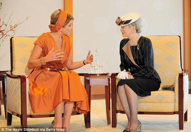 Gần 90 tuổi, cựu Hoàng hậu Nhật Bản vẫn khiến cả thế giới ngưỡng mộ trước gu thời trang nhã nhặn in đậm cốt cách tiểu thư - Ảnh 10.