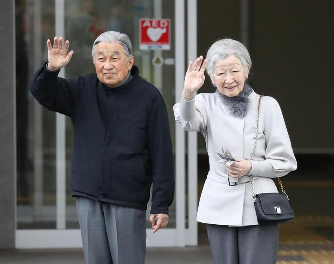 Gần 90 tuổi, cựu Hoàng hậu Nhật Bản vẫn khiến cả thế giới ngưỡng mộ trước gu thời trang nhã nhặn in đậm cốt cách tiểu thư - Ảnh 8.