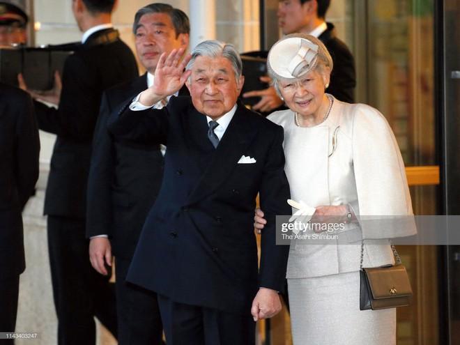 Gần 90 tuổi, cựu Hoàng hậu Nhật Bản vẫn khiến cả thế giới ngưỡng mộ trước gu thời trang nhã nhặn in đậm cốt cách tiểu thư - Ảnh 7.